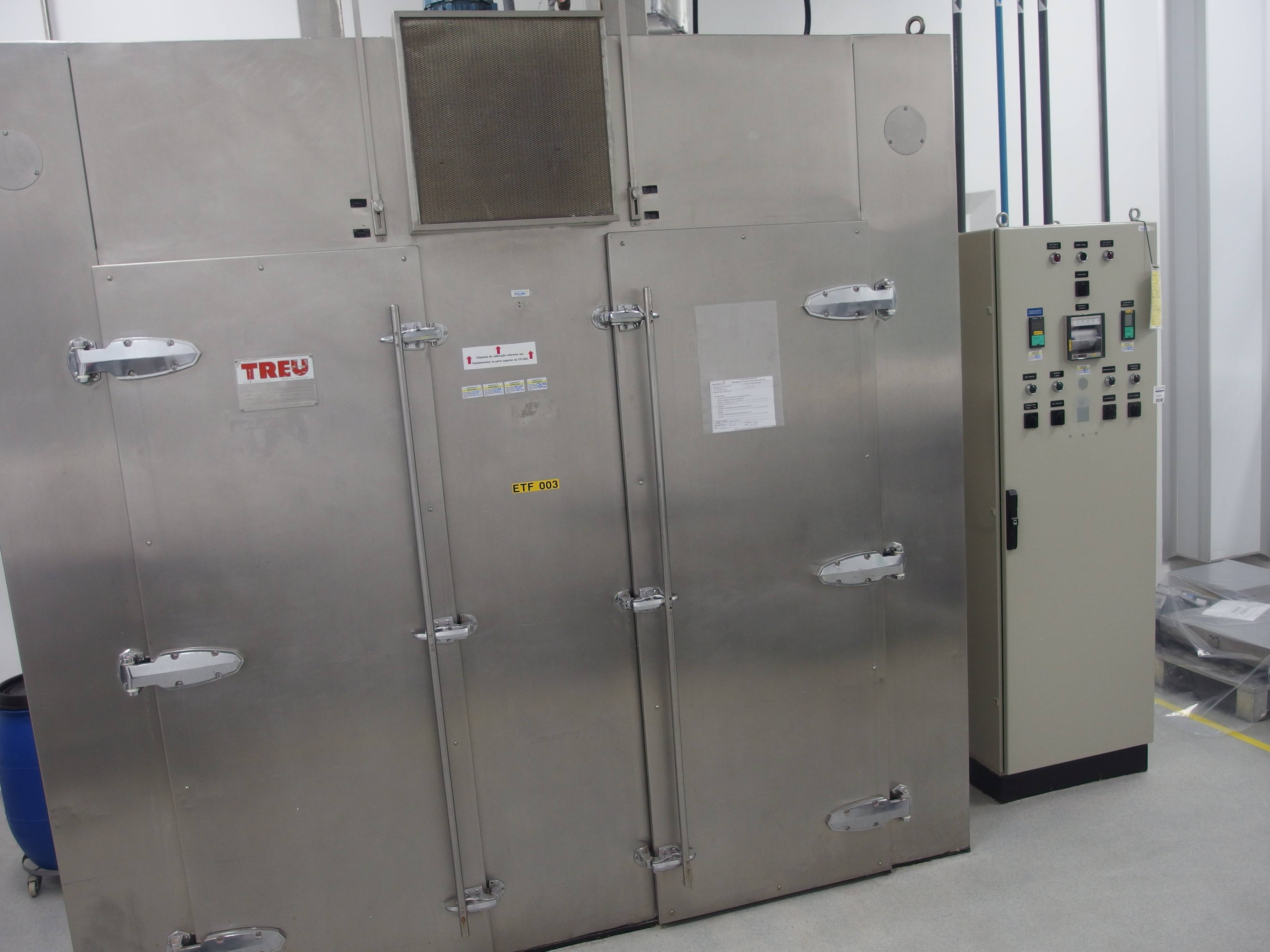 Treu Stainless Steel Air Circulation Dryer Chamber with Two Charging Cart