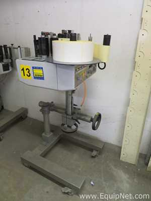 Avery ALX 720 Paint and Apply Labeling System