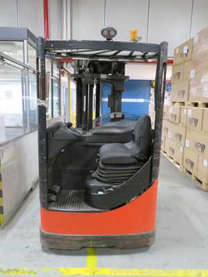 Linde R14 Battery Operated Reach Truck