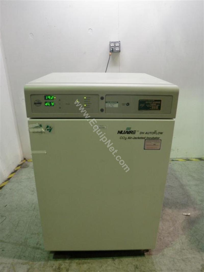 Nuaire NU-5500 DH Autoflow Air-Jacketed CO2 Incubator