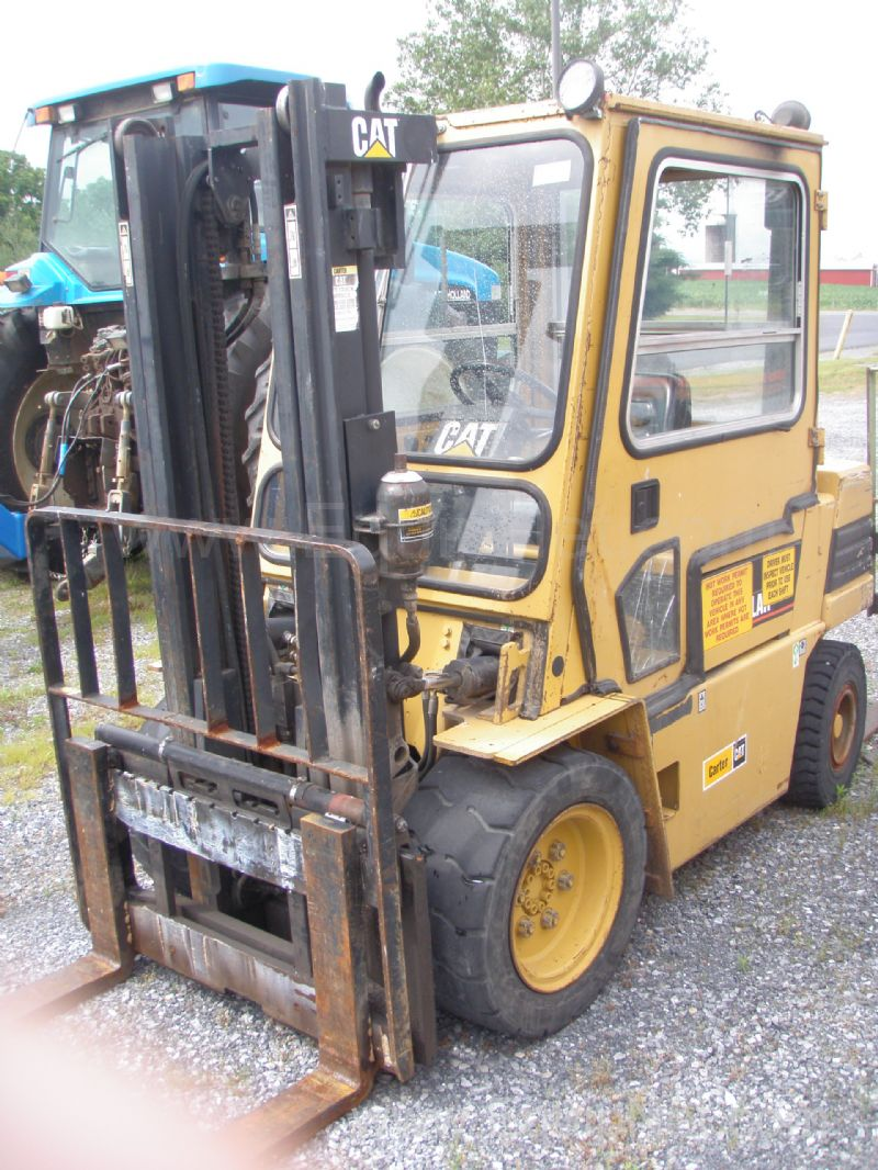 Caterpillar Fork Lift Model VC60E
