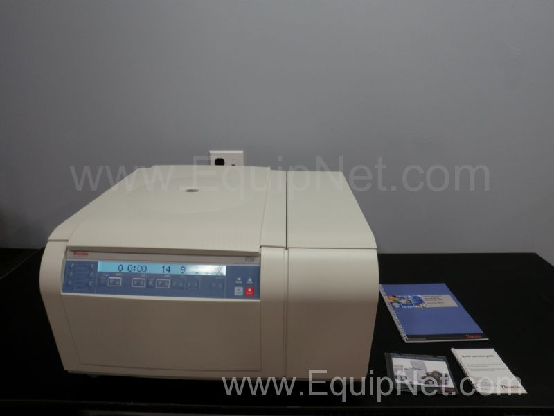 Thermo Fisher ST 16R Refrigerated Centrifuge