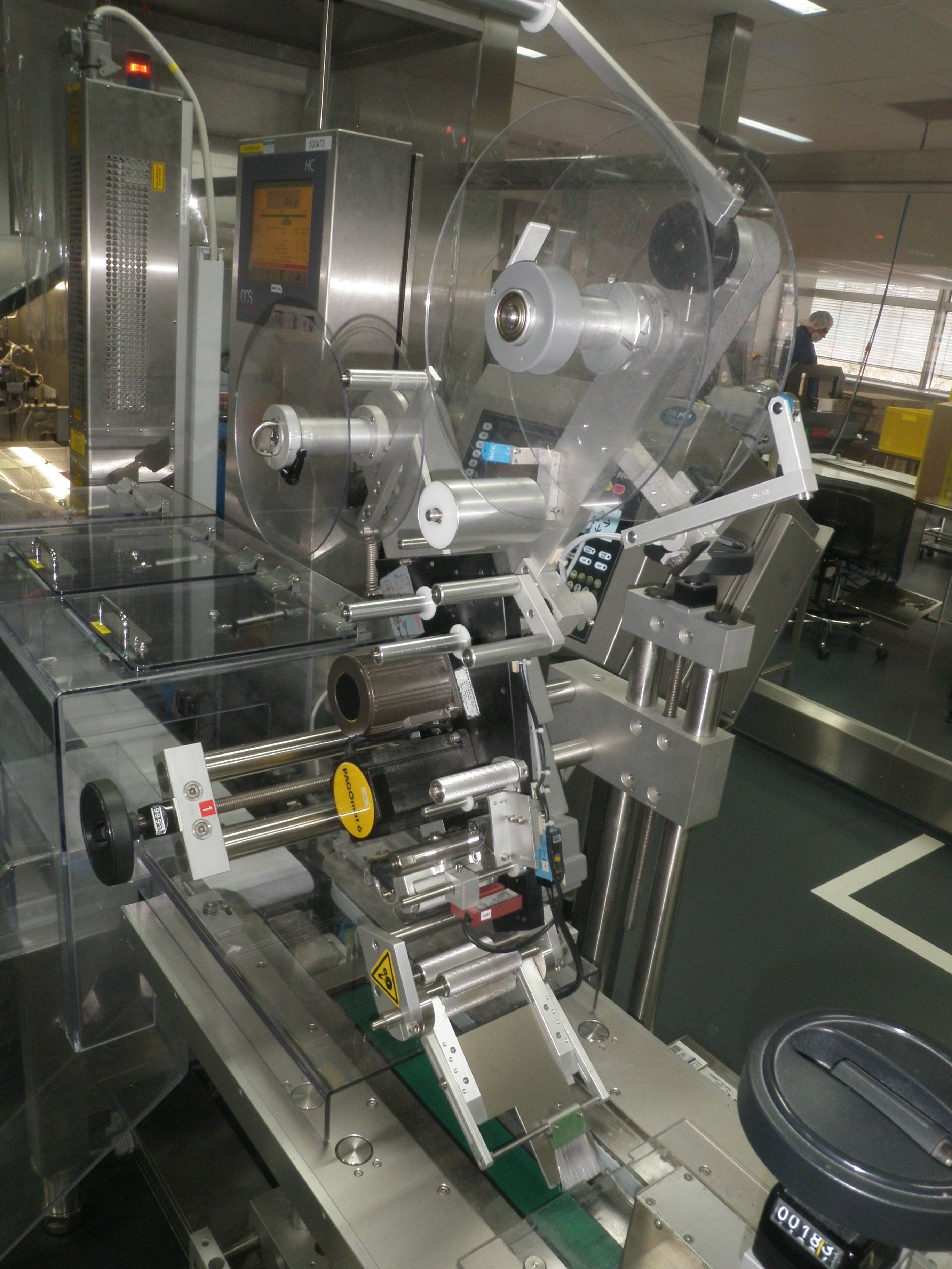 Pago System 214 221 Automated Top and Side Carton Labeler