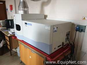 Perkin Elmer 7000 DV Spectrometer
