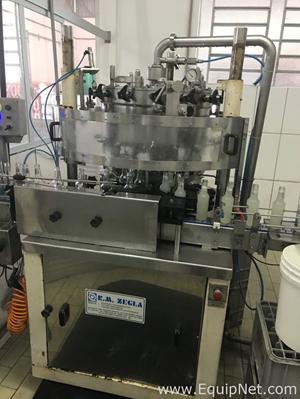 Llenadora Zegla Industria de Maquinas Para Bebidas Ltda EN 14 BICOS