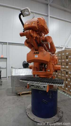 ABB Multi Axis Industrial Robot With a Single Suction End Of Arm Unit