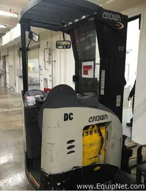 Crown RR 5200 Series Electric Fork Lift Truck with Side Shifter
