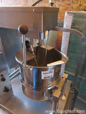 Groen TDC/3-20 Stainless Steel Agitated 20 Quart Double Motion Kettle
