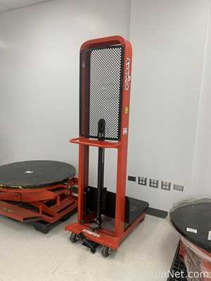 Presto Manual Lift Stacker M166 With Pallet Positioner
