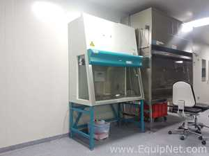 Heraeus HeraSafe KS12 Biological Safety Cabinet