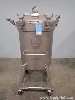 DCI 200 Liter Stainless Steel Portable Tank