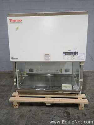 Thermo Electron 1440 Forma Biological Safety Cabinet with Stand