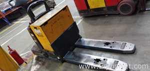Jungheinrich ECR-327 Electric End Rider Pallet Truck 90207549