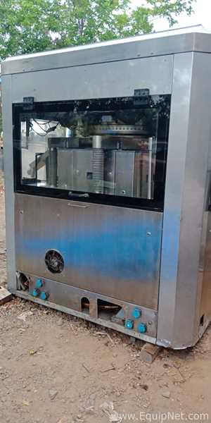 Tableteadora Karnavati Engineering Ltd (India) Evolution II