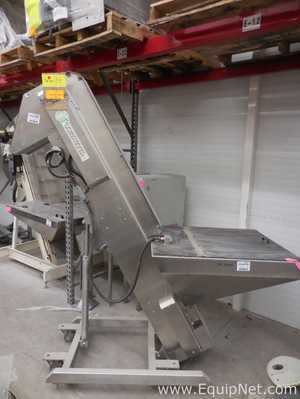 Stainless Steel Inclined Elevator Conveyor on Casters