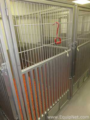 Lot of 8 Lab Products Inc Large Animal Kennels 24.9 Square Feet Per
