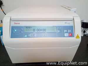 Thermo Scientific 75007211  Heraeus™ Megafuge™ 8 with swing rotor, buckets and adaptors  Laboratory