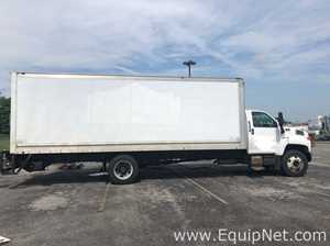 2006 Chevrolet C6500 Box Truck with Lift Gate