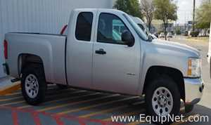 Chevrolet Silverado 2500 Light Grey Pickup Truck 2012