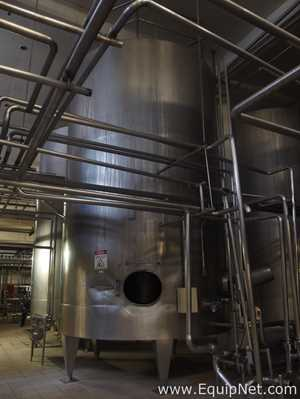 INOXIL STAINLESS STEEL 30000 LITERS MIXING TANK WITH AGITATOR
