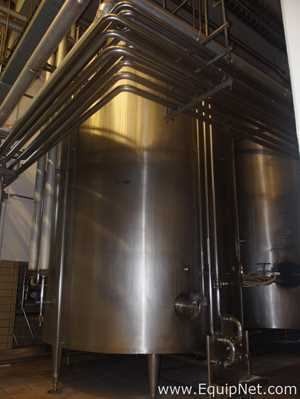 INOXIL STAINLESS STEEL 28000 LITERS MIXING TANK WITH AGITATOR AND THERMAL INSULATION