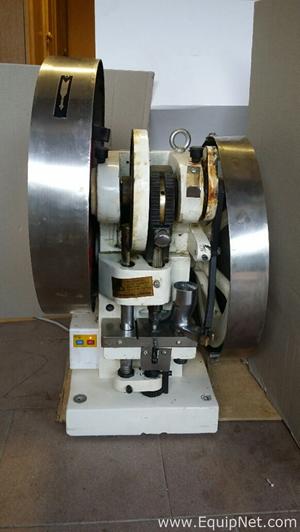 Compressora de Comprimidos LFA TDP 6