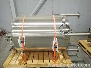 Tanque Acero inoxidable Precision Stainless .  300 Galones
