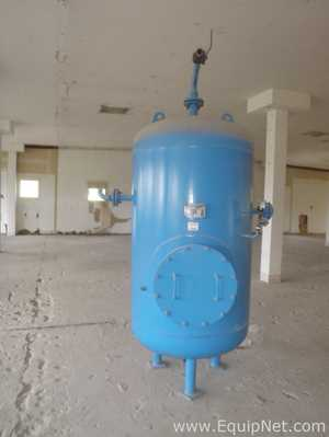 Vertical painted 2000 Litre Compressed Air Receiver