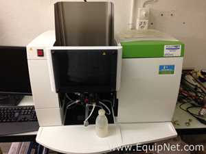Perkin Elmer AA400 Atomic Absorption Spectrometer