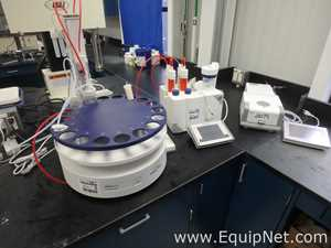 Mettler Toledo T70 Titrator with InMotion Flex Autosampler and Moisture Balance