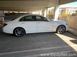 Automobil- Mercedes Benz E300