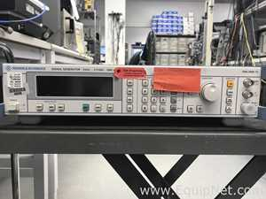 Lote de  Equipo de verificación o medición electrónica Rohde and Schwarz