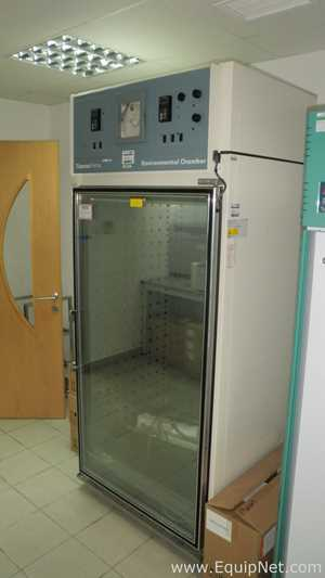 Thermo Forma 3940 Upright Incubator