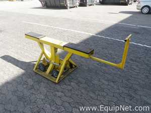 Lot of 2 off Mobile Low Level Articulated Unhitched Trailer Unloading Warehouse Yard Safety Supports