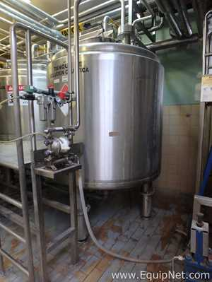 Stainless Steel Vertical 2500 L Storage Tank Thermally Insolated
