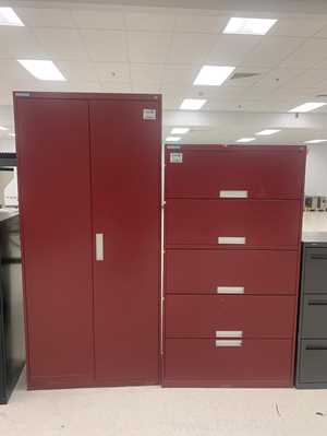 Lot of 1 cabinet and 1 file of 5 drawers