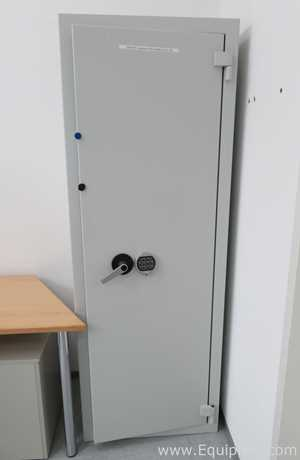 VDS Wuppertal 44506 Single Door Security Safe with Push Button Keypad Lock